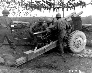 522nd_Field_Artillery_Bn._in_action_in_Bruyères_1944-10-18