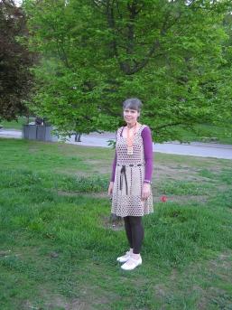 Maria i sit flotte dress med medalje