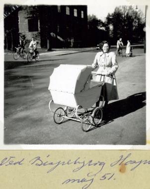Ruth med barnevogn