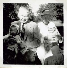 Tvillinger med Morfar og Mormor