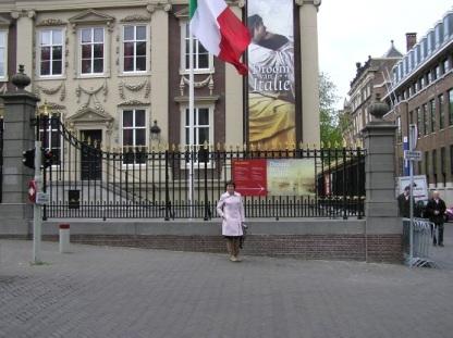 Maria foran Mauritshuis