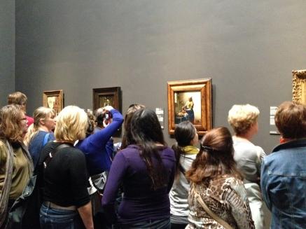 Trængsel foran Vermeer billederne