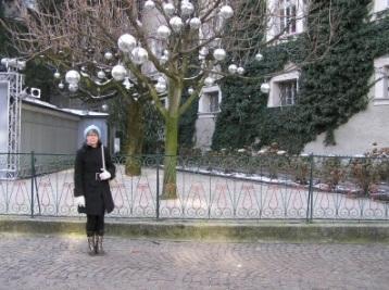 Maria i den lidt kolde luft i Salzburg