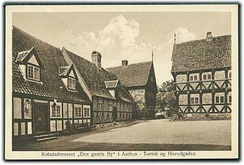 koebstadmuseet-den-gamle-by-i-aarhus-torvet-og-hovedgaden