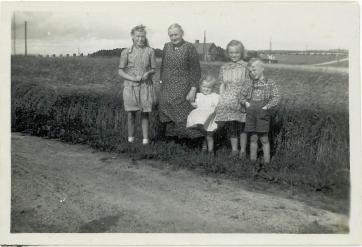 bedstemor-med-born