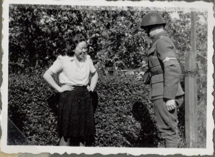 Ruth beundrer uniformen