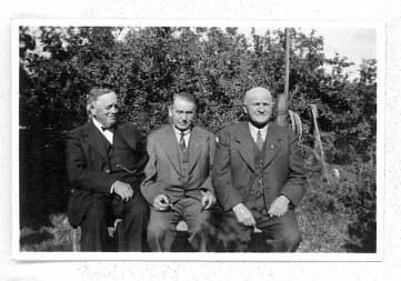 Emry sammen med Niels Jensen og Valdemar Madsen - Aarby
