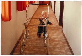 Andreas på tur med barnevogn