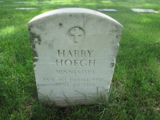 Harry Hoegh headstone