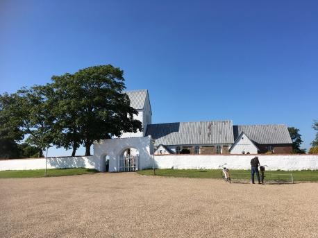 Stauning kirke- HJ checker sin airmen.dk