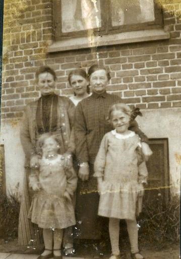 Mormor og Farmor og de 3 piger