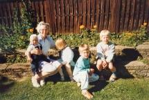 Ruth i Haven med børnebørn
