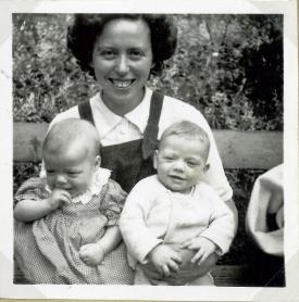Ruth med tvillingerne
