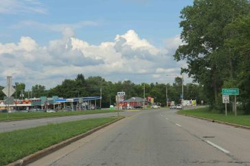 Coloma_Wisconsin_sign_looking_east_on_WIS21