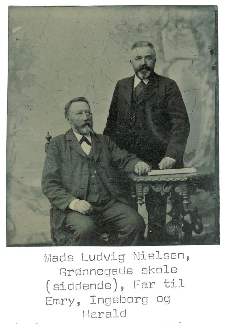 Ludvig siddende
