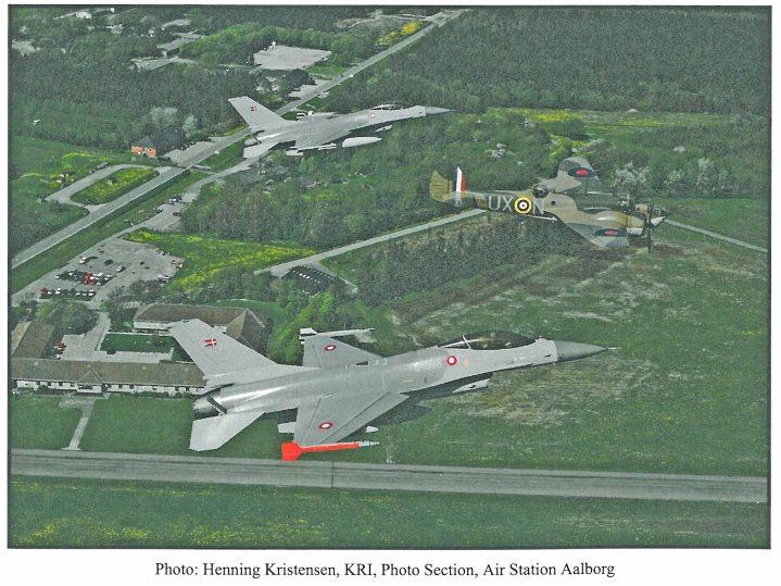 Blenheim eskortered af F-16 fra Ålborg Air base