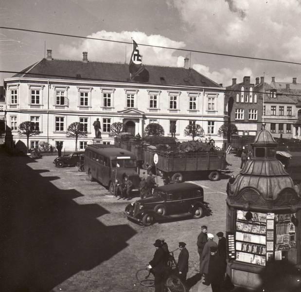 9 april 1940 tog tyskerne bygning og hejste hagekorsflaget