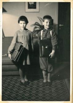 Fik skoletasker - skolegangen startede først senere