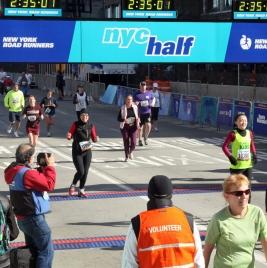 New York over målstregen NY halvmaraton