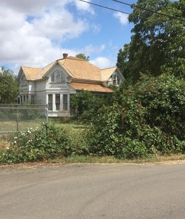 AC Nielsen hus under renovering - nyt tag