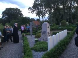 Oue kirkegård ved flyvergravene
