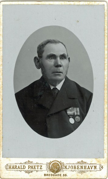 Vilhelm Nielsen med sine 2 medaljer