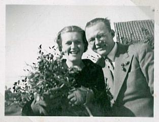 Ermegaard og LP som forlovede