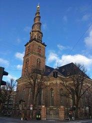 Vor Frelsers kirke med udvendig trappe