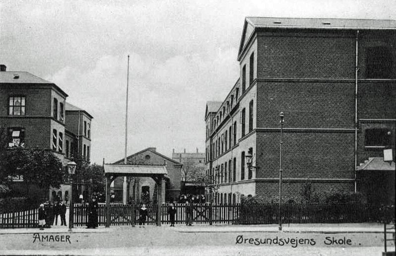 Øresundsvejens skole ca 1940 hilsen_fra_amager_sundby